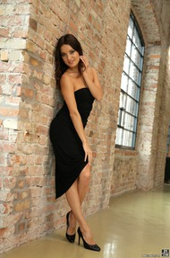 Beautiful Brunette Babe Roxy Dee Undressing - 00