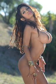 Armie Nude Pictures - 13