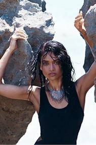 Shanina Shaik Topless Seaside - 13
