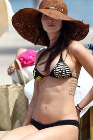 Sexy Celebrity Megan Fox Phoro Series - 08