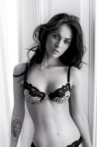 Sexy Celebrity Megan Fox Phoro Series - 12