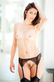 Beautiful Anna Morna - 14