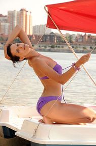Susi On A Boat - 03