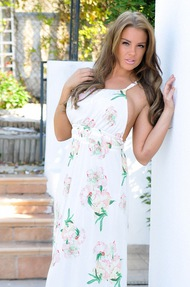 Gracie Finlan Goddess Outside - 00