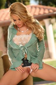 Busty Blonde Glamour Babe Brea Lynn Dildoing - 01