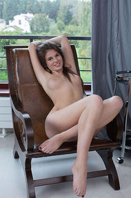 Sexy Luna Gets Naked - 12