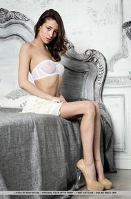 Sexy Layna Strips - 00
