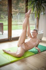 Flexible Tracy - 17