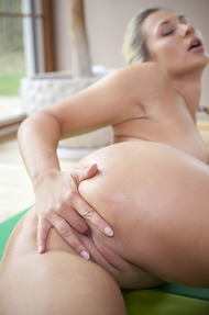 Flexible Tracy - 19