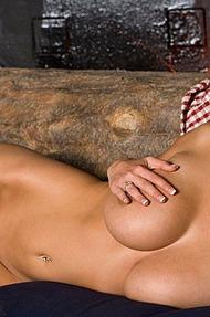 Hannah Hilton stripping - 10