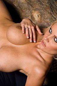 Hannah Hilton stripping - 11
