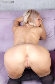 Blonde Mandy Dee - 08