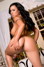 Mariah Milano nice tits - 12