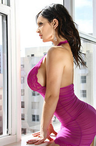 Denise Milani window - 02