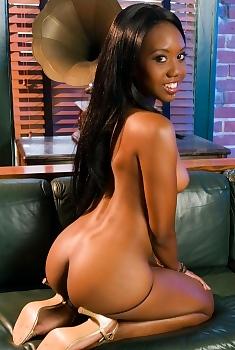 Nina Devon Sexy Ebony Babe