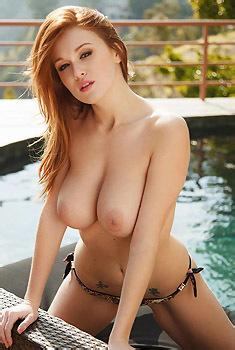 Leanna Decker Sexy In Bikini