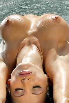 Lucia Tovar In Jacuzzi