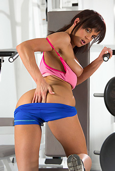 Rahyndee James In The Gym