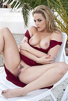 Alexis Texas In Sexy Red