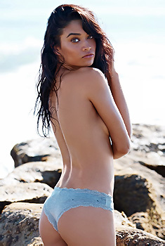 Shanina Shaik Topless Seaside