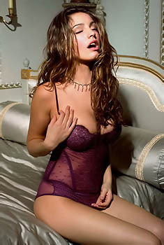 Amazing Kelly Brook