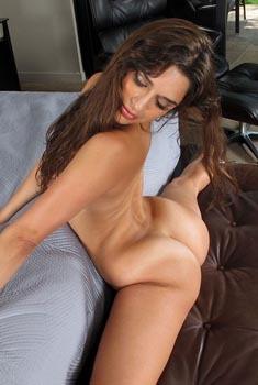 Sexy Latina Babe Carol Luna