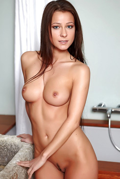 Long Brown Haired Melisa