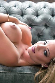 Blonde Stunner Danielle Anderson