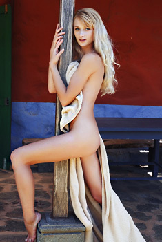 Nika N Glamour Skinny Blonde Model Babe