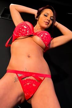 Nikki Sims Big Boobs