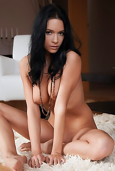 Pia Sexy Nude Babe