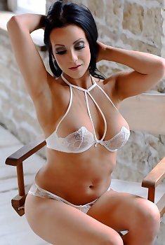 Anna Rose Teasing In Her White Lingerie
