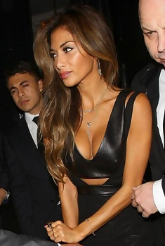 Nicole Scherzinger In Hot Black Outfit