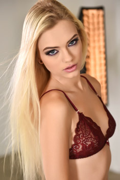 Beautiful Alex Grey Strips Off Her Sexy Lingerie