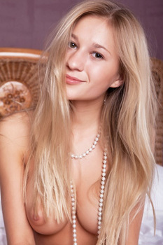 Busty Blonde Teen Candice Gets Nude On A Bed