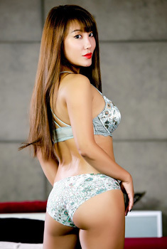 Tiffany Rain Asian Hottie