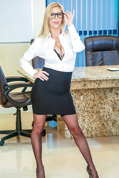 Alexis Fawx - My Sexy Boss Wants Me