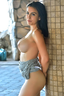 Sporty Saraya Shows Her Big Boobs