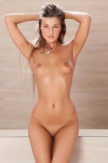 Sexy Melena Tara