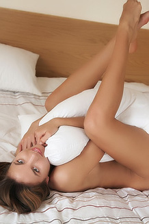 Antea Poses Naked On The Bed